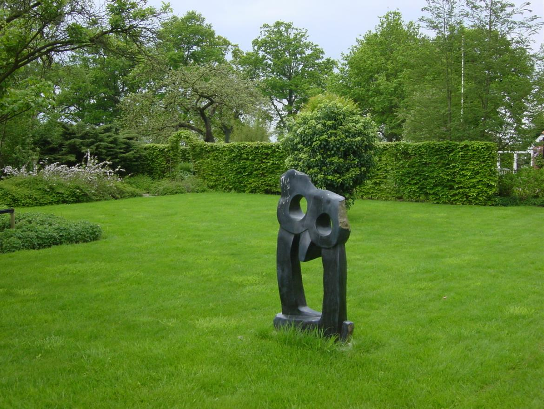Kunstobjecten Voor Tuin : Bartelds hoveniersbedrijf kunst in de tuin